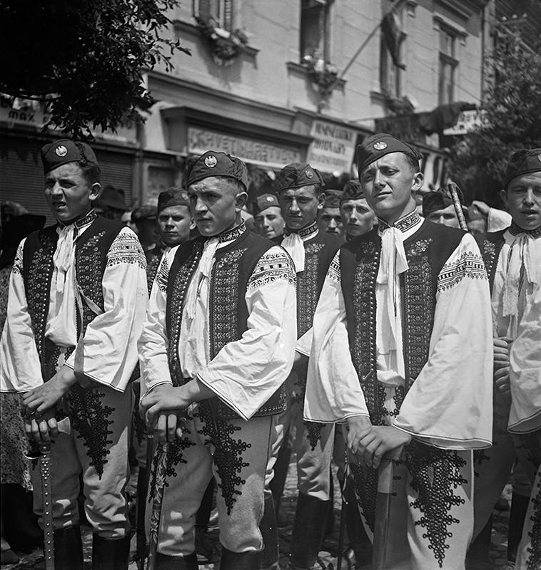 Neznámy autor: Z prehliadky Hlinkovej mládeže v Trenčíne. 1939. SNA, Bratislava – fond STK