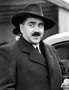 Neznámy autor - Karol Sidor na letisku vo Varšave, 1938, Poľský národný digitálny archív