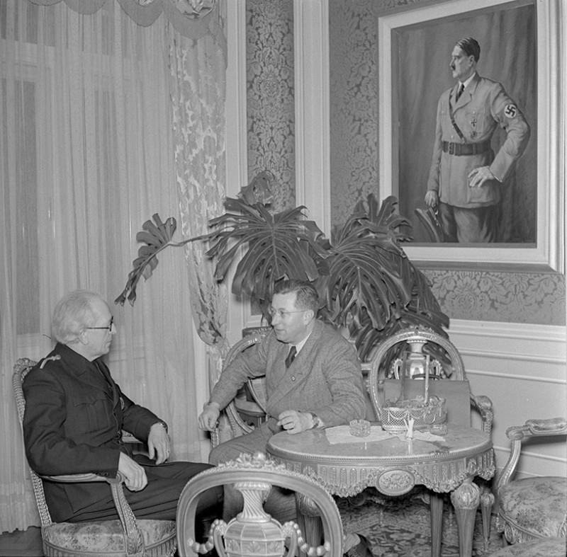 Neznámy autor. Reprezentačné priestory predsedu vlády Vojtecha Tuku. 1941. SNA, Bratislava – fond STK