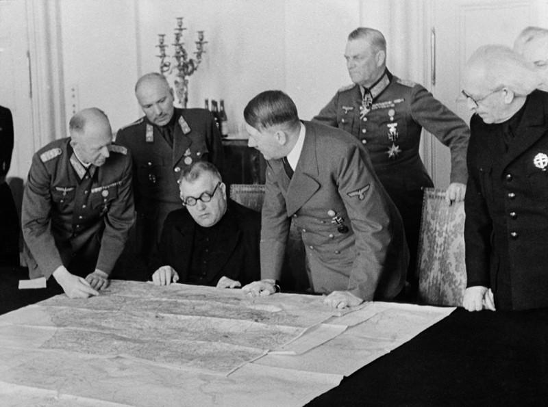Neznámy autor - Prijatie prezidenta Jozefa Tisa Adolfom Hitlerom v Berlíne., 1939, Slovenský národný archív, Bratislava – fond STK
