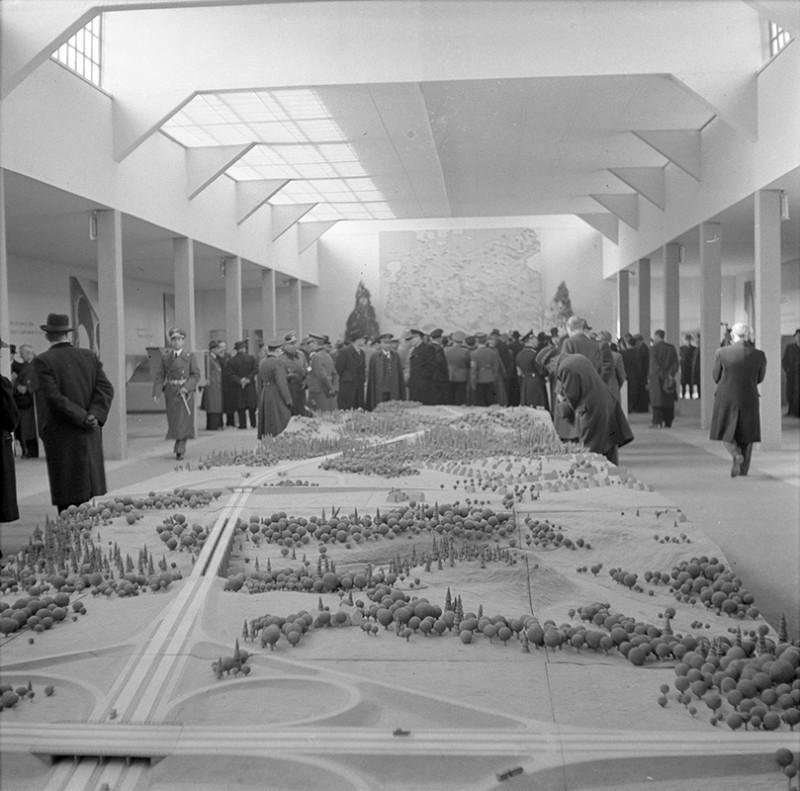 Neznámy autor - Výstava Hradské Adolfa Hitlera, 1940, Slovenský národný archív, Bratislava – fond STK