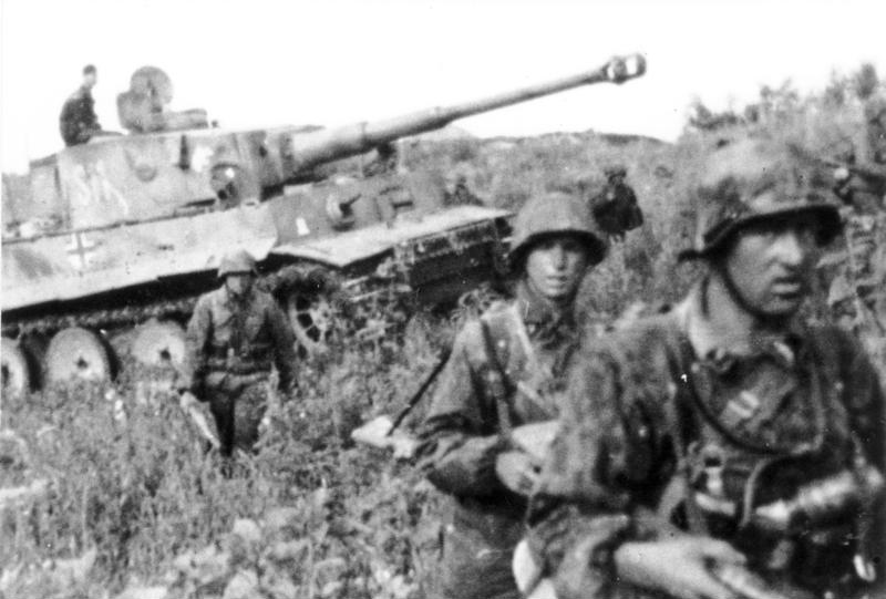 Friedrich Zschäckel - The Battle of Kursk - German Soldiers Retreating, June 1943, Bundesarchiv, BArch